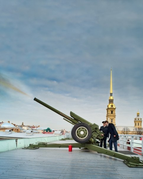 Пушка Петропавловской крепости