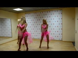 Просто красивый танец что еще сказать )).НО НЕЛЬЗЯ не сказать красивые девушки танцуют для мужчин.mp4