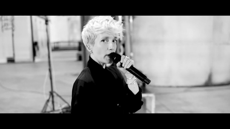 Jeanne Added - Radiate (Live @ L'Atelier des Lumières)