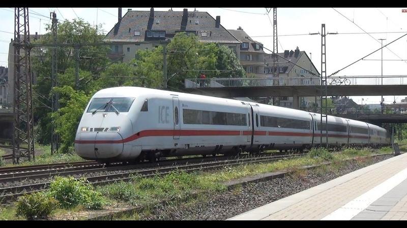 Treinen op station Düsseldorf Wehrhahn