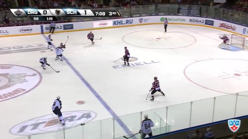Моменты из матчей КХЛ сезона 14/15 • Гол. (0:2). Пайгин Зият (ХК Сочи) забросил шайбу и утвердил преимущество своей команды . 24