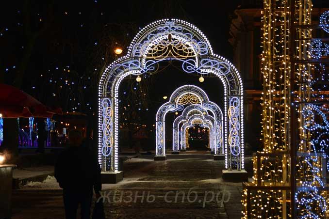 Сад Зимнего дворца в январе 2018 года. Новогодний декор города