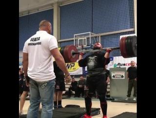 Матеуш Осташевский (Польша), ось Аполлона - 180 кг 💪
