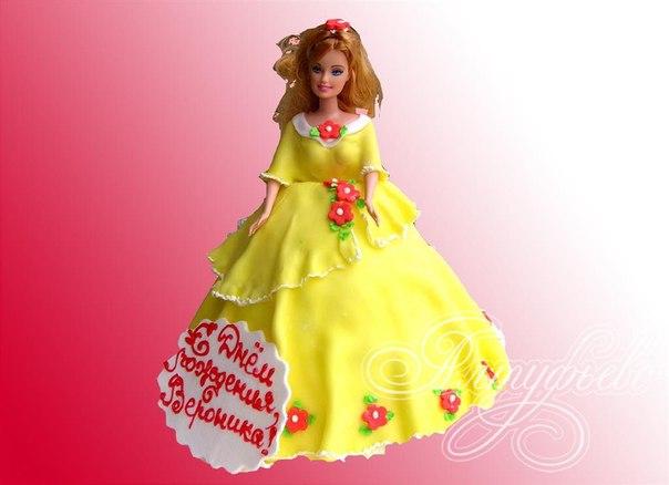 Дети обожают торты.  Такой подарок может быть универсальным или тематическим- например, тортик с куклой для девочек и...