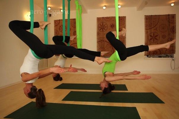 По поводу йоги хочу написать, хот у нас ещё не встречала, но сегодня увидела объявление набор в студию йога в