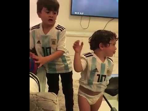 Filhos de MESSI cantando,VAMOS VAMOS ARGENTINA|Niños Messi Canto La ARGENTINA