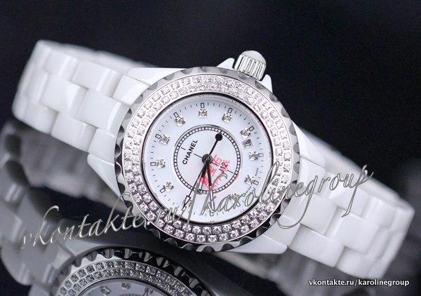 Белые часы bvlgari