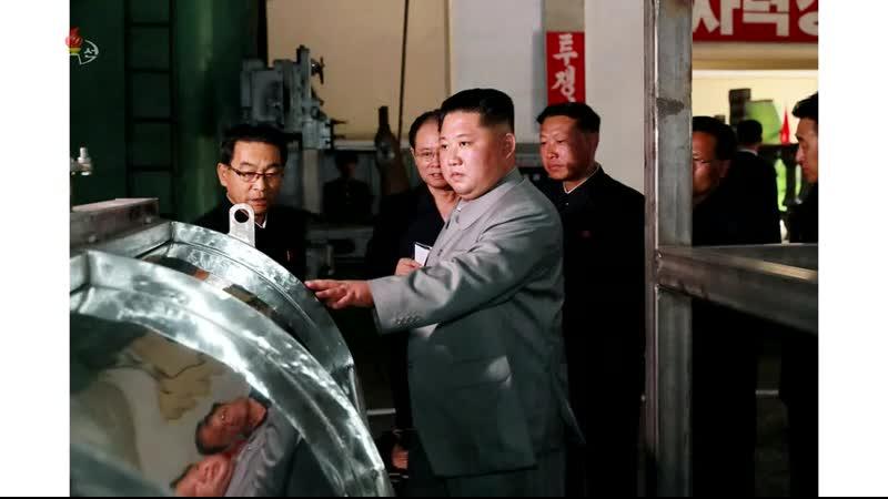 경애하는 최고령도자 김정은동지께서 장자강공작기계공장을 현지지도하시였다