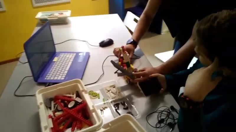 Собираем кран (LEGO WEDO ресурсный набор)
