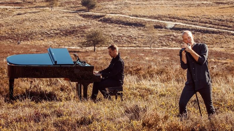 Смотрим яркий видеоклип на новый сингл Armin van Buuren и Sam Martin под названием Wild Wild Son. Кстати, на написание этого трека Армина ван Бюрена вдохновил сын.