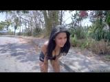 Kendra Roll Bounces when She Jogs