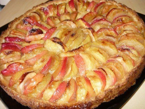 Нормандский пирог с яблоками. Вера Фискина Ингредиенты: мука – 180