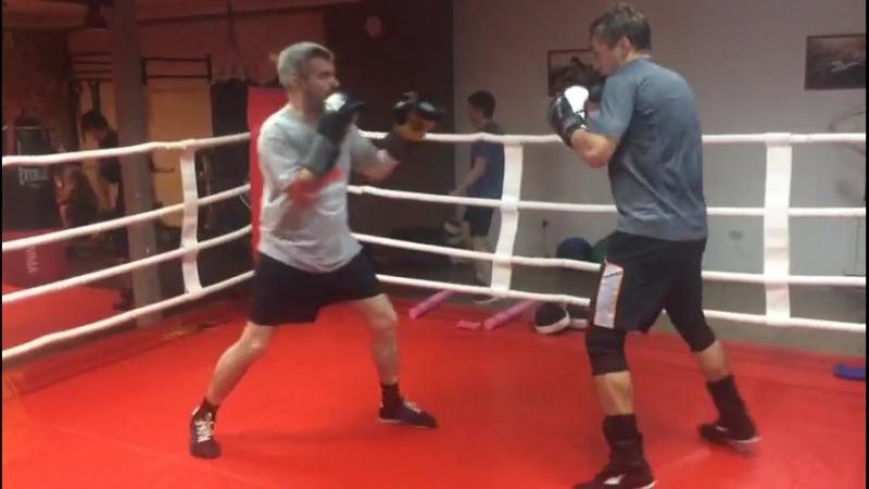 Индивидуальная тренировка по боксу. Тренер Зайнал Акавов