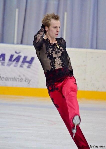 Сергей Воронов AhswqjOdOz8