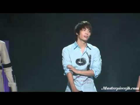 [Get Well JJong][FC][101016] SHINee JongHyun - limping @ Hello Rehearsal MC