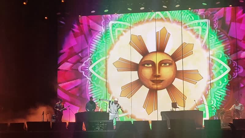Black eyed peas ТАБУ танцует Эппл поет BEBOT 2019 LIVE Moscow