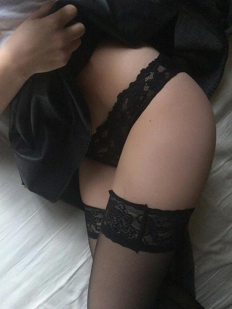Pettie Blonde Porn Stars