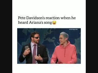 Реакция Пита на песню Ари в новом шоу. Паблик: sunshine ariana.