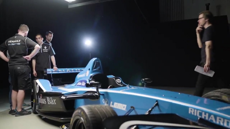 Swiss FormulaE driver Sebastien_Buemi has landed in Zurich. Today was shooting day for a documentary with juliusbaer and