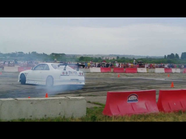 CarFest 3. Drift Nissan skyline GTR R33