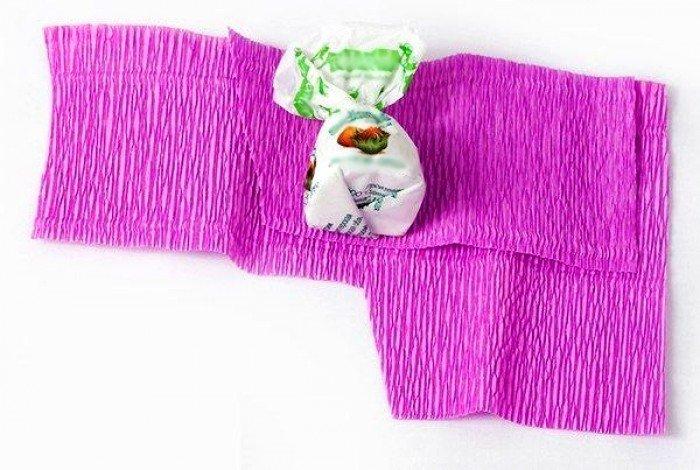 цветы из конфет пошагово