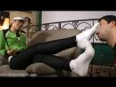 Goddess Jessica Femdom Foot fetish Фут-фетиш раб вылизывает кроссовки и ноги slave licking feet