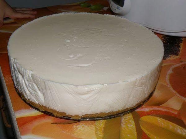 Желейный тортик из киви и сметаны без
