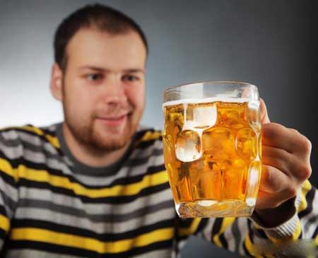 Питье нескольких алкогольных напитков похоже на чувство, испытываемое с помощью закиси азота