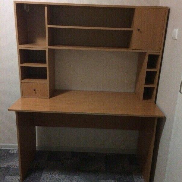 #ДляДомаИДачи@bankakomi Продаю : Письменный стол в нормальном состоя