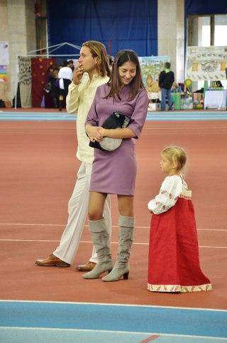 Семья барда. Олесь из Любоистока, жена и дочка.