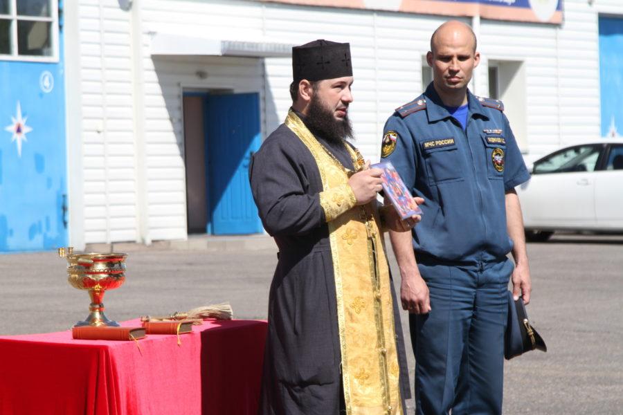 Состоялся чин освящения спецтехники пожарной части №1 Биробиджана