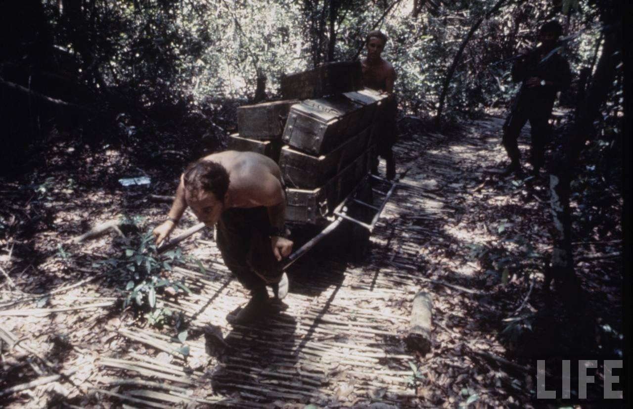 guerre du vietnam - Page 2 LrOf_JRwy6w