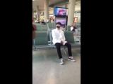 180806 EXO Lay Yixing @ Beijing airport
