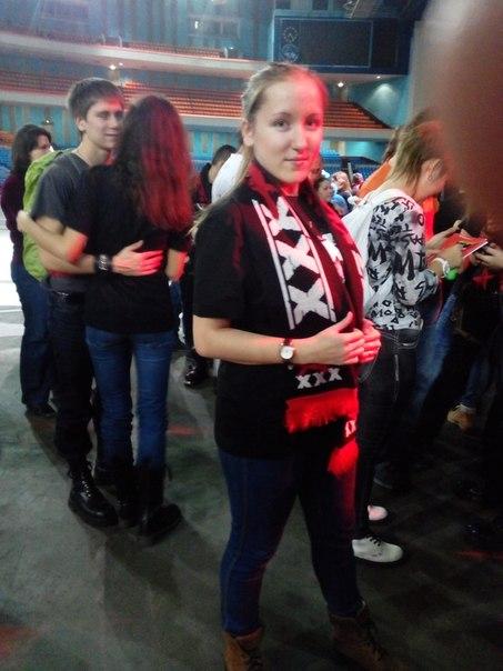 ...ходили в концерт.... Zaq-lcZP9_U