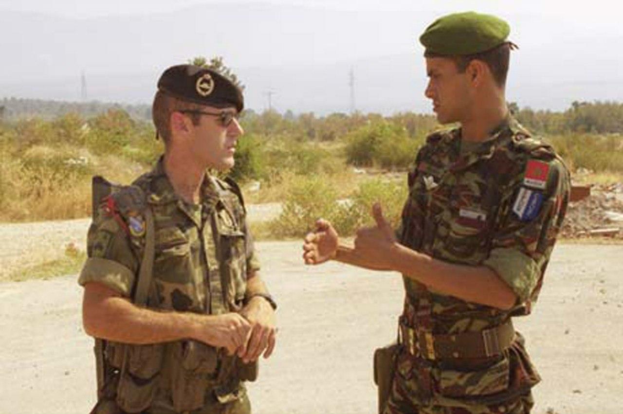 Photos de nos soldats et des Bases Marocaines - Page 2 ABZRkCxIagA