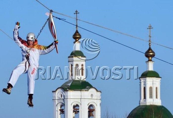 Фотофакт: естафета олімпійського вогню в Тюмені)