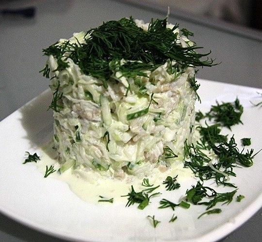 Салат с кальмарами с капустой рецепт с