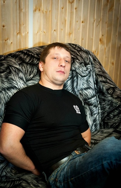 Алексей Хенов
