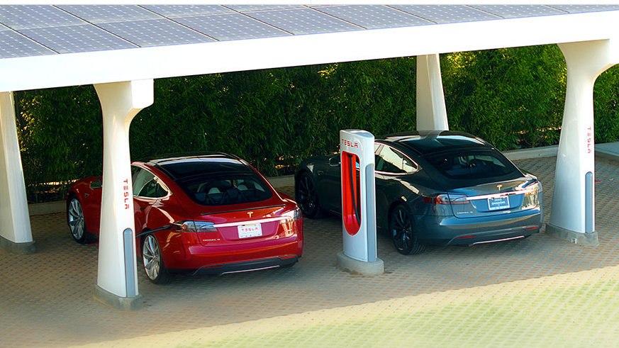 Supercharger от Tesla