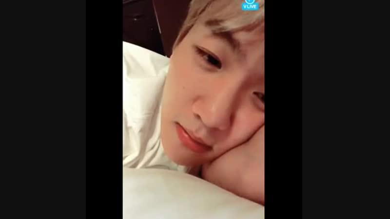 [BAEKIU] Baekhyun cutely humming to IU Autumn Morning