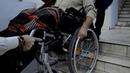 Видео пособие по подъему и спуску коляски с инвалидом по лестничному маршу