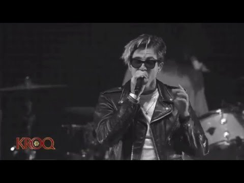 The Neighbourhood - Cry Baby [Live at the Kroq Almost Acoustic Christmas Festival]