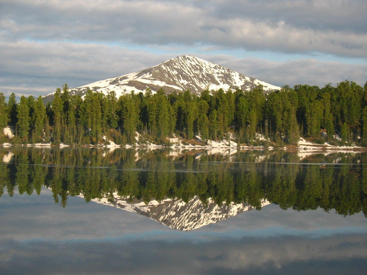 Озеро Светлое и гора Тушканчик