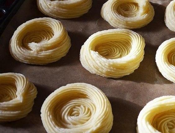"""Картофельные """"гнёзда"""" с курицей Ингредиенты: -Картофель 400-450 грамм -куриный фарш"""
