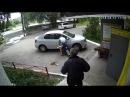 Пьяный парень избил двух пенсионеров