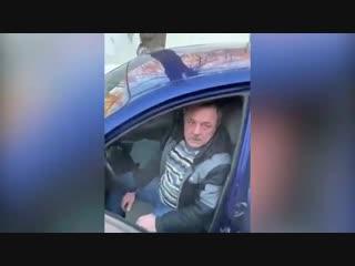 Инструктор по вождению прокатил на капоте пешехода под Москвой