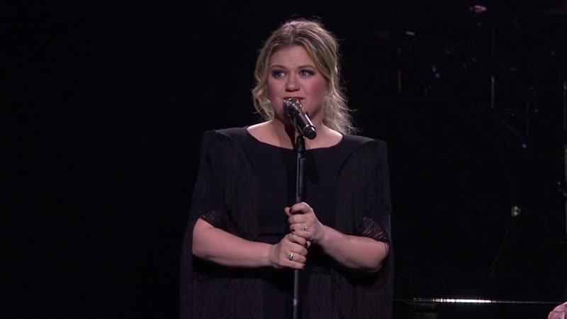 Kelly Clarkson Nobody's Crying Patty Griffin cover @ Meaning of Life Tour Live 03 08 19