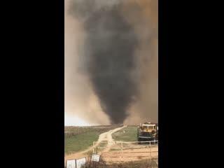 Огненный смерч в округе Эллис штата Оклахома (США, 12 апреля 2019).