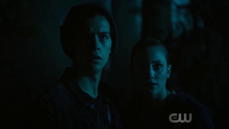 Ривердэйл Riverdale 3х02 Джагхед и Бетти увидели в лесу Короля Горгулий