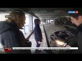 В Москве машина повисла между девятым и восьмым этажами